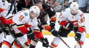 Flames vs Anaheim PO 17 G1 Image 10